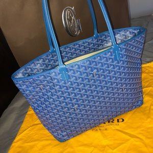 AUTHENTIC Goyard Artois MM Bag in Blue😍💙